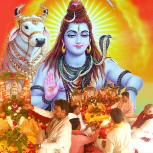 Lord Shiva's Archana with Bilva Patra